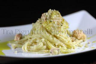Tra Pignatte e Sgommarelli: Le mie ricette - Linguine con salmone fresco, crema di verza e mollica di pane alle erbe