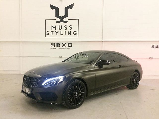 Instagram media by automotivefashion - MUSS C43 AMG wrapped Satin Gold Dust Black for @wesleyburns__. The car is back on its way to Fleetwood Town 👊🏼👊🏼 Enjoy her bro video coming soon #MussStyling #Gold #Mercedes #Amg #C43 #DealerApproved #carwrapping #LeaseApproved