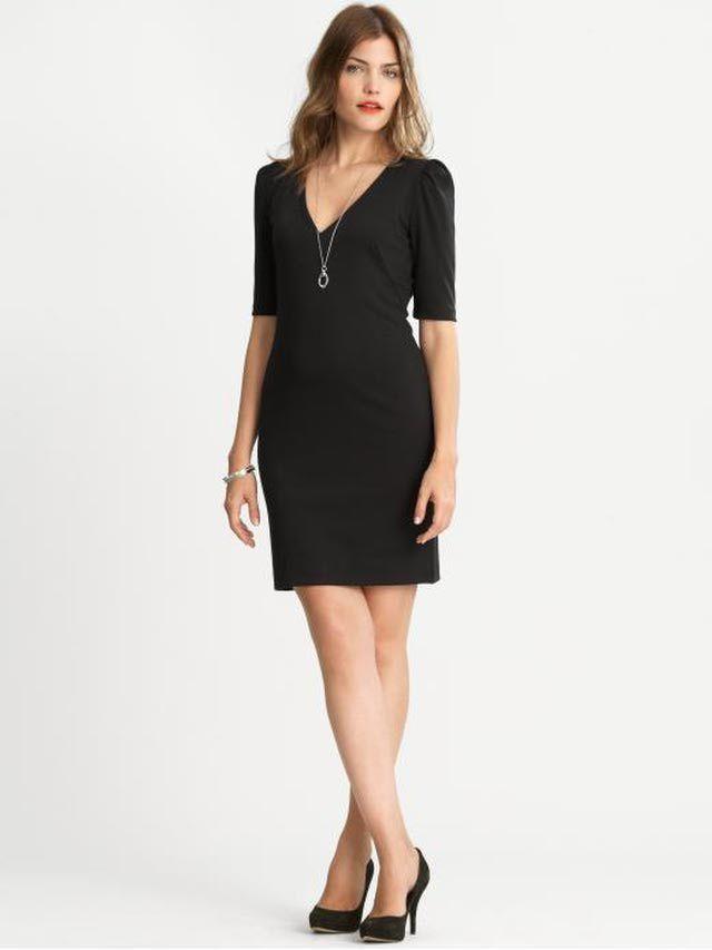 Petite Black Dresses for Winter 2011/2012: V-Neck Little Black Dress for Petites