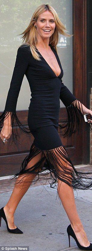 Πώς έβαλαν οι celebrities το φόρεμα με κρόσσια - dona.gr