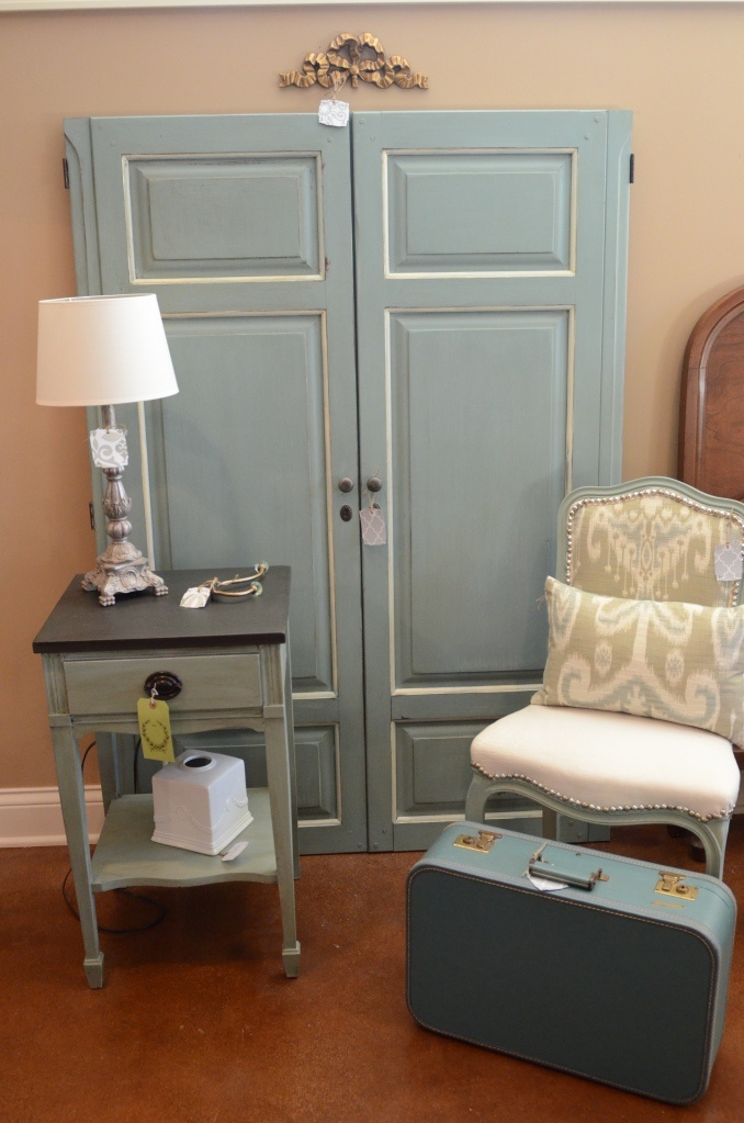 Annie Sloan Chalk Paint Duck Egg Blue And Old White...nightstand Graphite  And