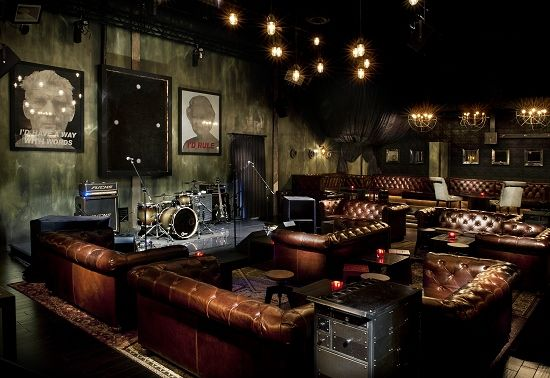 Stage and lounge of The Sayer's Club