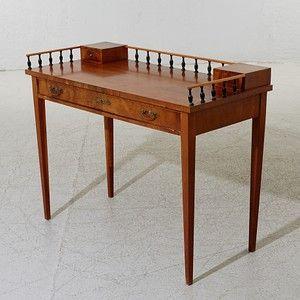 Skrivbord i Karl Johan | Lauritz.com