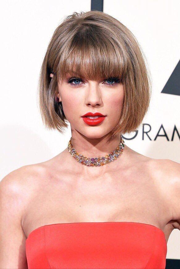 Taylor Swift- 58th Annual Grammy Awards