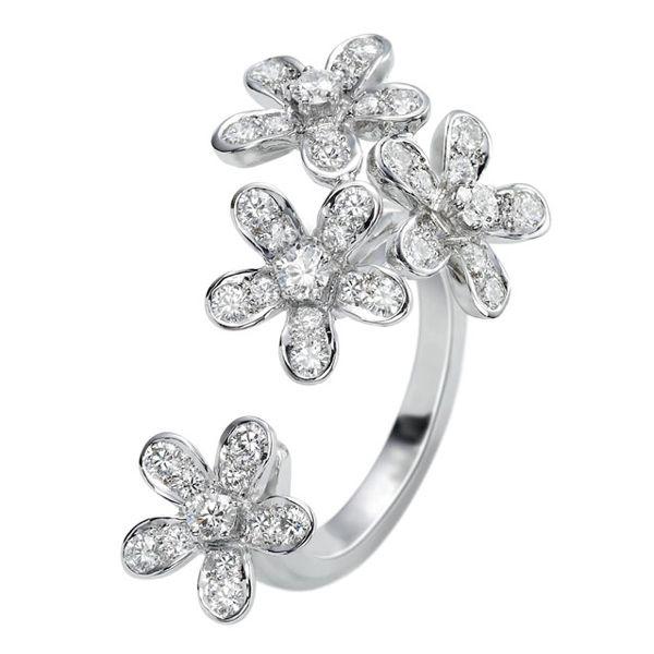ソクラテス アントレ レ ドア リング - Van Cleef & Arpels(ヴァン クリーフ&アーペル)の婚約指輪(エンゲージメントリング)ホワイトゴールドのエンゲージリング・婚約指輪一覧❤
