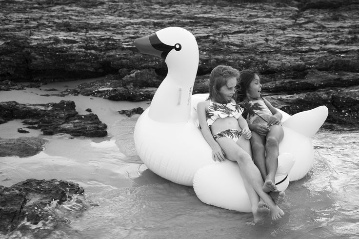 FASHION EDITORIAL | Salty Days – Elke Magazine | We live for little people