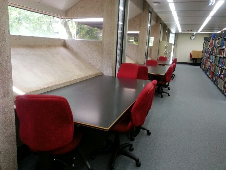 Quiet study area at social science library!