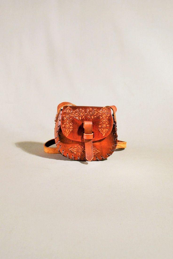 Vintage Brown Leather Wallet, Coin Pouch, Festival Bag, Mini Bag, Crossbody Sachet door AllVintageBags op Etsy