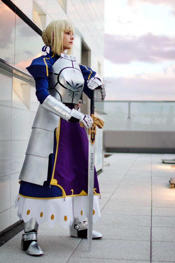 Costume: Saber (Fate/Stay Night) Photographer:Anna Fischer Convention: Anime Expo 2011 New version of this costume debuted at AX this year. Most of the costume has been remade, but a few parts are ...