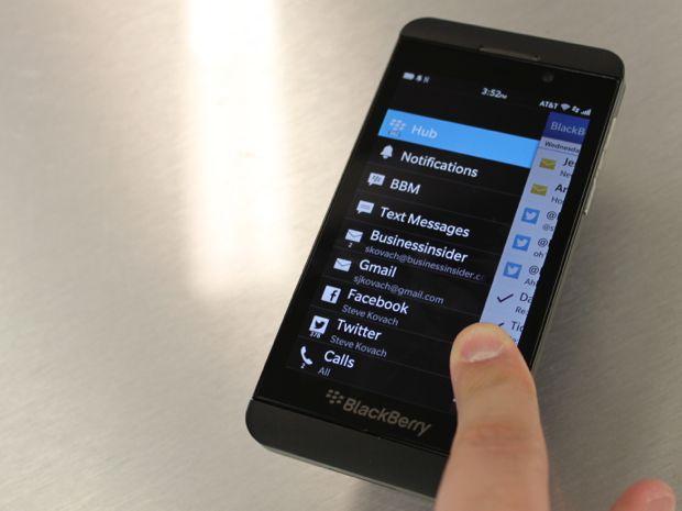 Experimenta BlackBerry Flow /Una forma completamente nueva de usar tu smartphone. Una nueva experiencia en la que las prestaciones y las apps van perfectamente de la mano y aprenden tu forma de pensar para ayudarte a completar tareas con mayor rapidez y facilidad. Descubre BlackBerry® 10, diseñado para mantenerte en movimiento. https://www.lenddo.com.co/pages/yoquieromismartphone