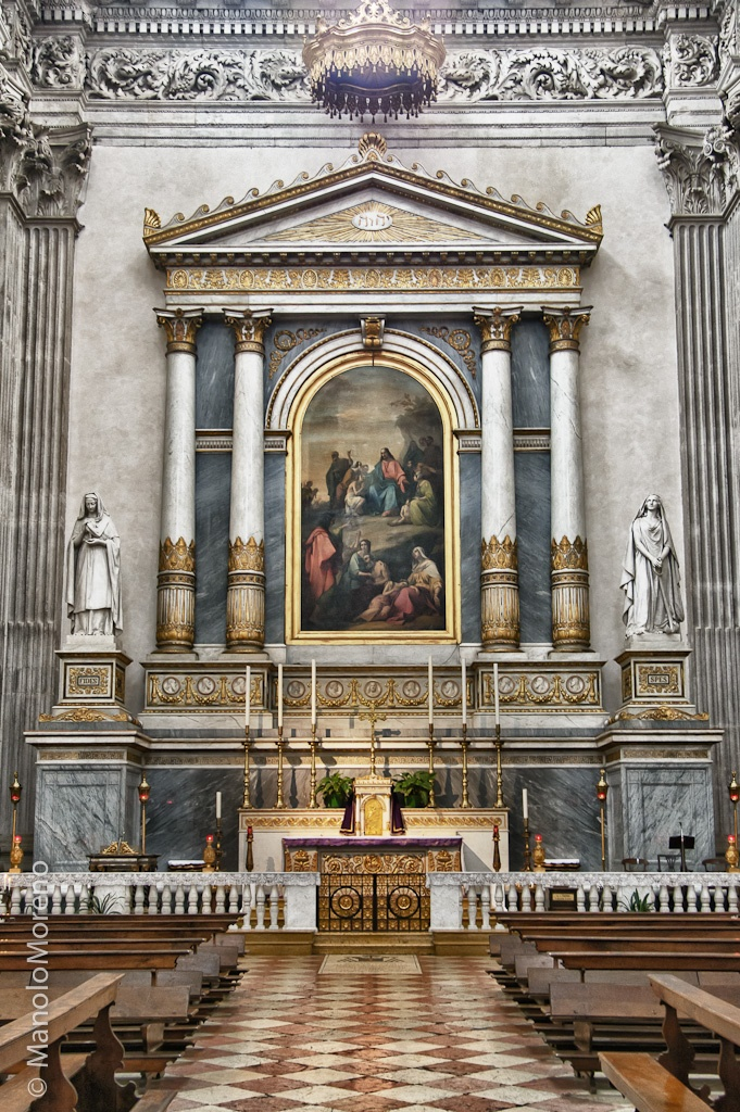 "(day trip) Altar of the Duomo Nuovo (""New Cathedral"") in Brescia, Italy"