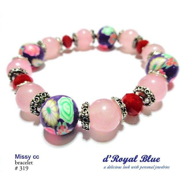 Kristal, batu diwarna (pink), beads corak oleh d'Royal Blue
