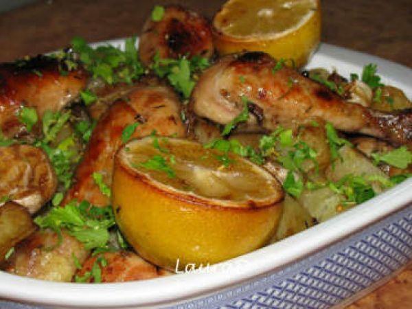 Rețetă Pulpe de pui la cuptor cu usturoi si cartofi cu ierburi aromate, de Laylalala - Petitchef