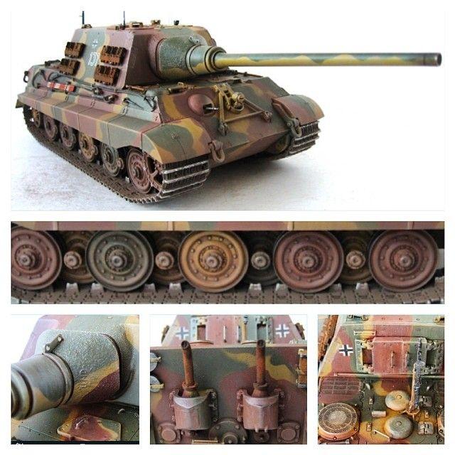 Jagdtiger — германская противотанковая самоходная артиллерийская установка (ПТ - САУ) периода Второй мировой войны, класса истребителей танков. Масштаб: 1/35. Длина после сборки: 301 мм. Ширина: 107 мм. Особенности: отдельная отлитая деталь боевого отделения; проработанный интерьер, включая дощатый пол; детали фототравления; возможность установки орудия в походном варианте; фигурки мехвода и командира; 5 видов декалей; отдельное руководство по нанесению камуфляжа.