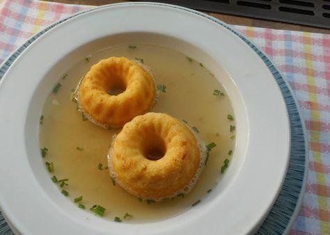 Damit schmeckt die Suppe gleich noch mal so gut: flaumige Schöberl, butterzart!