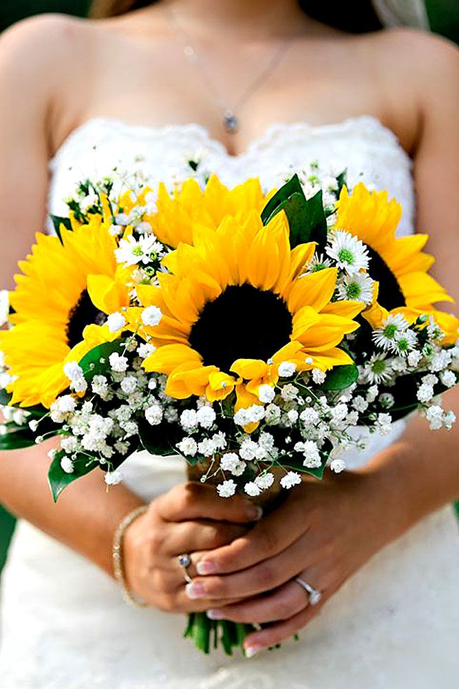 18 Brilliant Sunflower Wedding Bouquets For Happy Wedding ❤ Here you find ideas how mix sunflowers with other flowers. See more: http://www.weddingforward.com/sunflower-wedding-bouquets/ ‎#wedding #bouquets