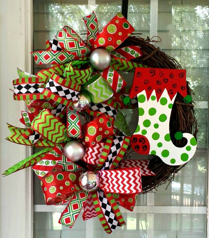 Christmas Grapevine Stocking Wreath Red Lime Green