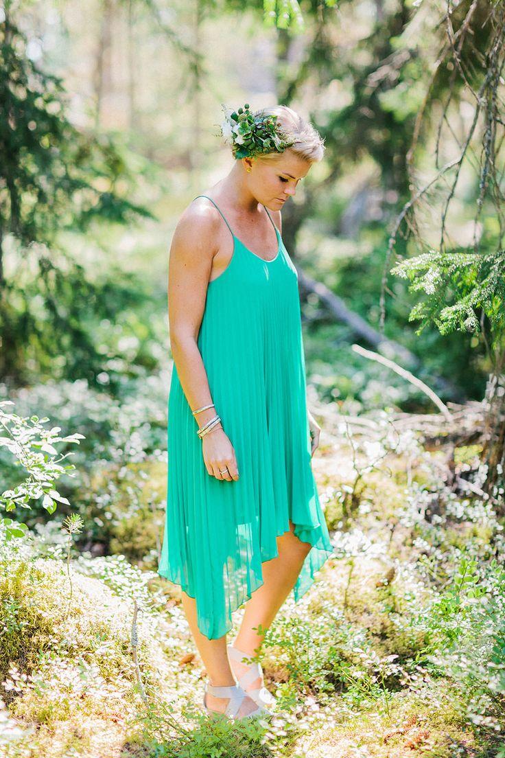Best 25 forest green weddings ideas on pinterest for Forest green wedding dress