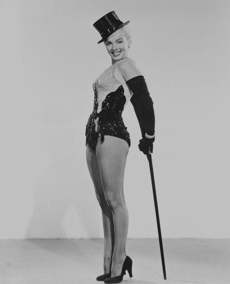 """1953 / reklame Billeder af Marilyn og Jane Russell i """"Gentlemen foretrækker blondiner""""."""