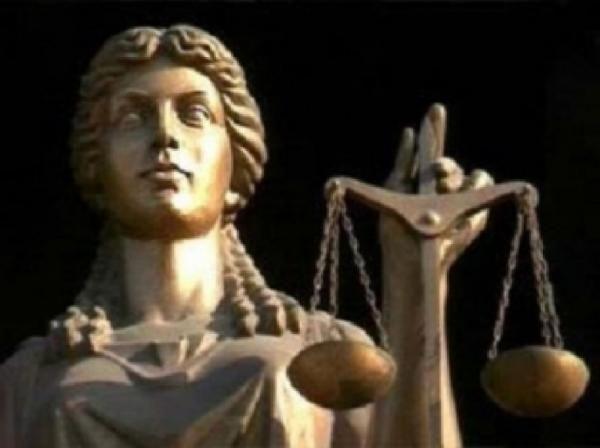 Судья припрятал элитный дом и часовню под видом... http://uinp.info/important_news/sudya_pripryatal_elitnyj_dom_i_chasovnyu_pod_vidom_dolgostroya  Суддя Вищого спеціалізованого суду з розгляду цивільних та кримінальних справ та Микола Лагнюк задекларував як недобудований великий маєток під Києвом, в якому він живе вже сім років. При цьому судді надали ще й службову квартиру в столиці. Про це повідомляє проект Prosud.Повідомляє портал «АНТИКОР» з посиланням на ЗМІ.В декларації за 2015 рік…