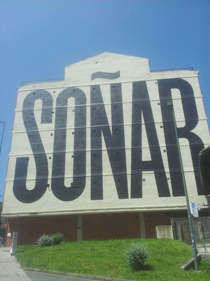 """Precioso mural en el barrio de Olabeaga, tambien conocido como """"Noruega"""""""