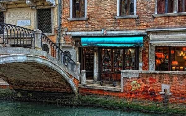 Денежный вопрос: Валюта Италии, обмен валюты, расчет картами Visa и даже общепринятые чаевые в Венеции