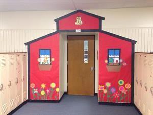 School House Welcoming Door Display