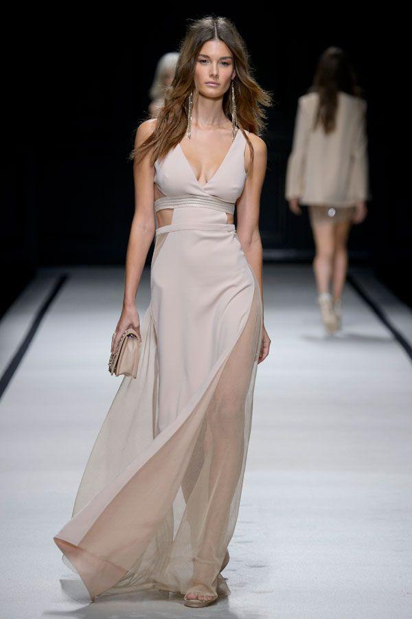 Elisabetta Franchi a Milano Moda Donna: la sfilata della collezione Primavera Estate 2016