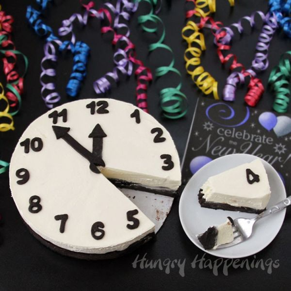 This is a GREAT New Year's Eve Party Cake really clever!