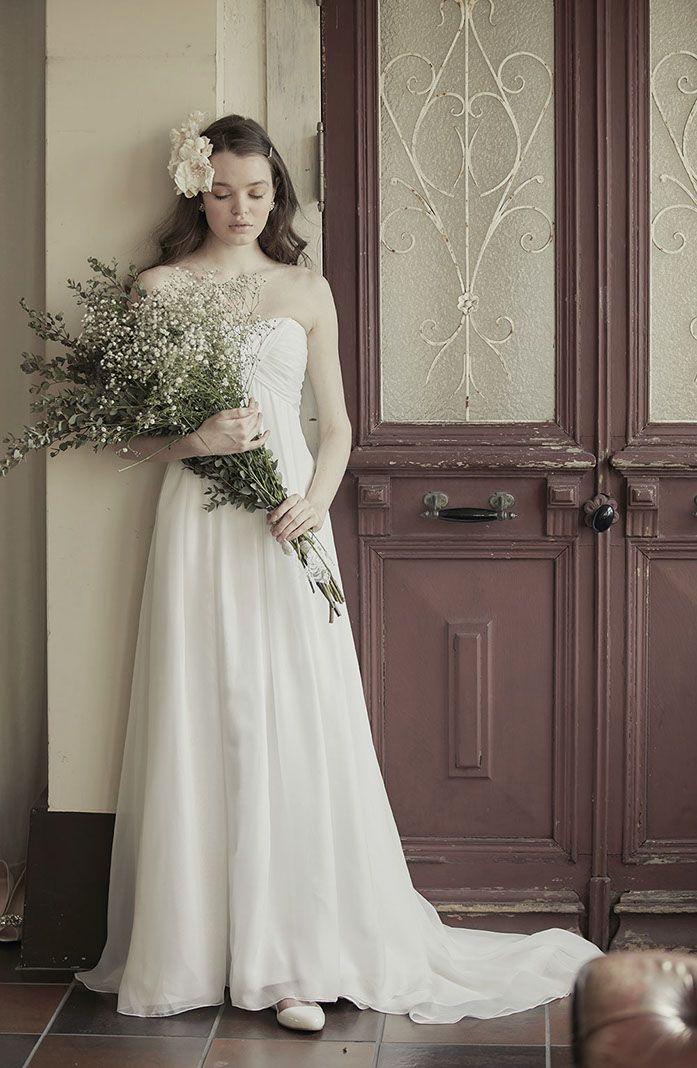 No. DBW-002 –シンプルでナチュラルなウェディングドレス。フォトウェディング、二次会ドレスとしても。