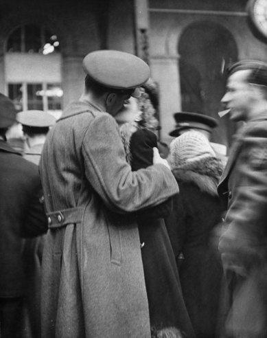 Farewell Kiss, Penn Station, 1943   True Romance: The Heartache of Wartime Farewells, 1943   LIFE.com