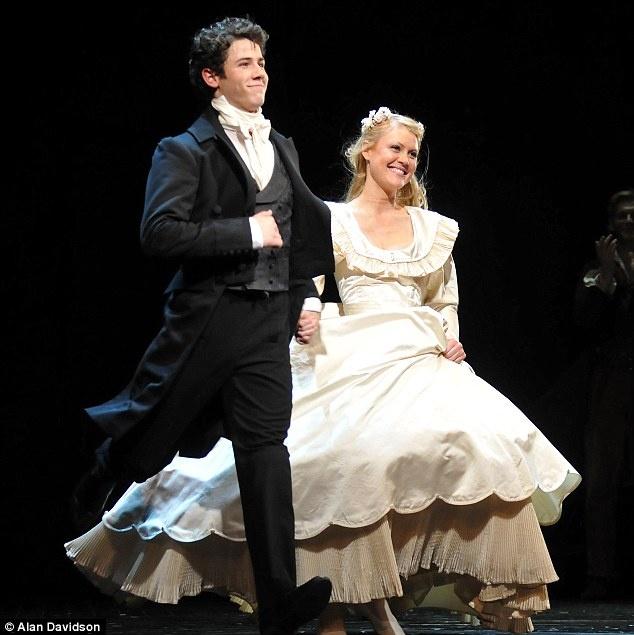 les mis marius and cosette meet joe