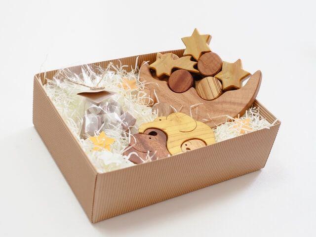 cadou jucării din lemn pentru copii