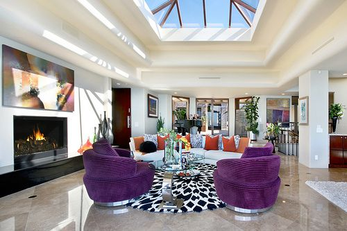 Love the colors!!! And the light!: Floors Plans, Dreams Houses, Living Rooms, Open Spaces, Living Spaces, Interiors Design, Small Rooms, Purple Chairs, Accent Colors
