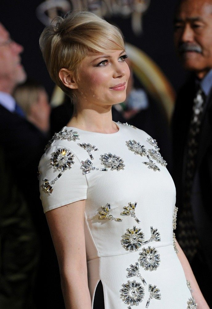 Short Hairstyles Lookbook: Michelle Williams wearing Short Cut With Bangs (23 of 40). Michelle Williams' grown-out pixie looked super-sophisticated at the 'Oz' World Premiere.