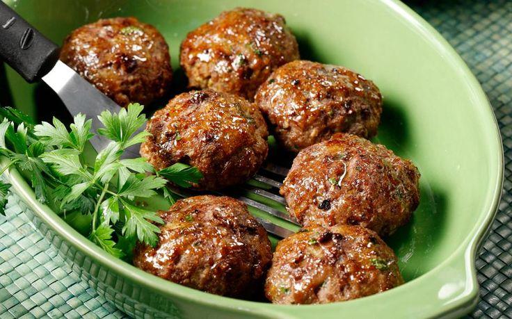 Η συνταγή αυτή προέρχεται από την ανατολική Θράκη και θεωρείται κλασική τοπική σπεσιαλιτέ. Το μυστικό της είναι η απουσία ψωμιού στη ζύμη...