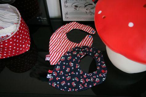 patron gratuit diy bavoir bandana couture b b pinterest bandanas and diy and crafts. Black Bedroom Furniture Sets. Home Design Ideas