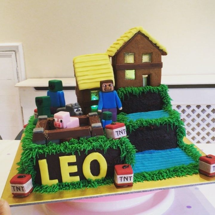 Carol Li On Instagram Finally Finished My Boy S Birthday Cake His Minecraft Farmhouse And I Have No Idea Of Mine Gingerbread House Gingerbread Birthday Cake