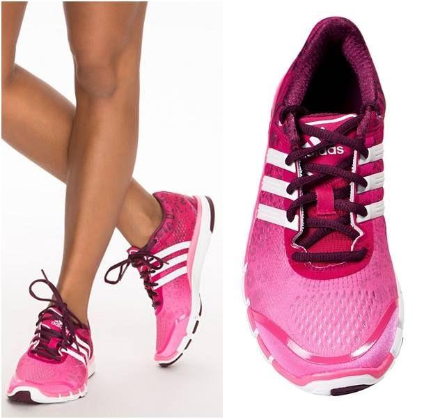 Damskie buty Adidas przeznaczone do treningu.