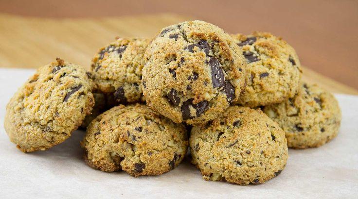Chocolate Chunk Cookies / @DJ Foodie / DJFoodie.com
