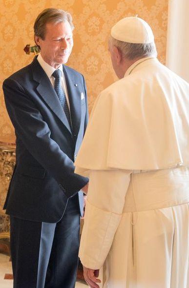 La famille du Grande-Duché du Luxembourg, réunie au grand complet, s'est rendue au Vatican pour y rencontrer le pape François.