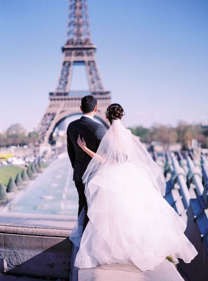 Eiffel Tower views: http://www.stylemepretty.com/destination-weddings/france-weddings/2016/06/10/this-paris-wedding-will-make-you-believe-in-love-at-first-sight/ | Photography: Le Secret d'Audrey - http://lesecretdaudrey.com/