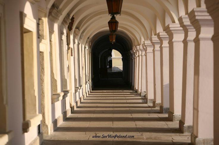 Arkady, ul. Ormiańska | Ormiańska Str. Arcades   #Zamość #zamosc #arkady #arcades #architecture #oldtown #lubelskie #cityscape #polska #poland #visitpoland #seeuinpoland