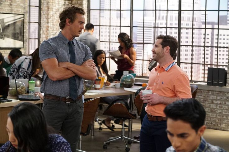 """#YoungAndHungry 4x08 """"Young & Sofia"""" - Kendrick (star, Steve Talley) and Leo (Star, Ryan Pinkston)"""