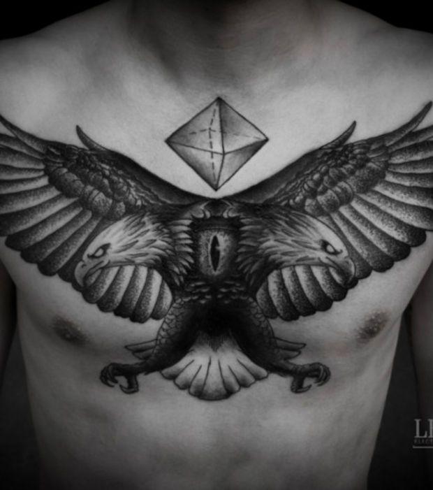 Les 25 meilleures id es de la cat gorie tatouage dans le dos sur pinterest tatouages dos pour - Tatouage corbeau signification ...