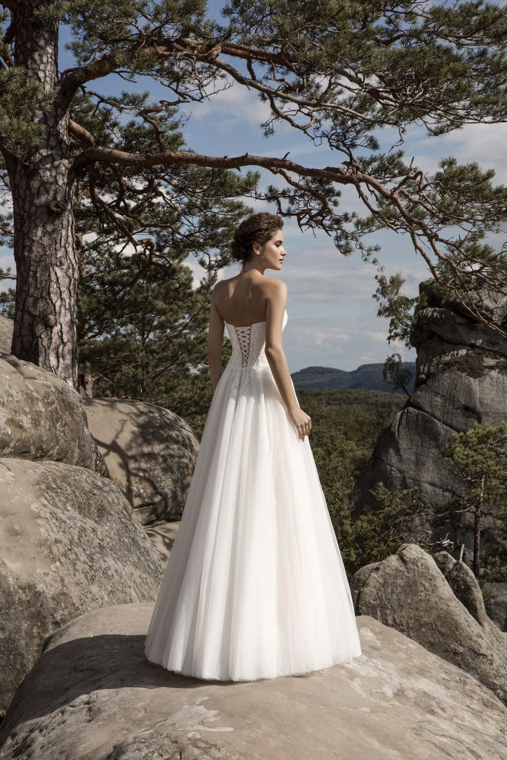 Legendary Wedding Boutique: Enchanted Collection 2017 007b