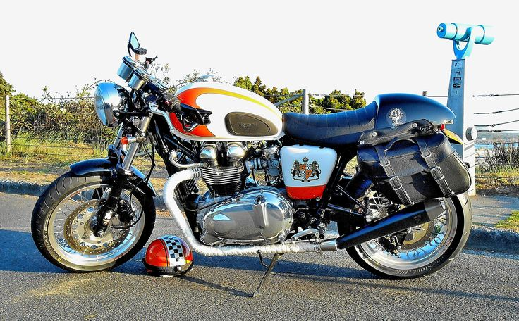 17 best images about triumph thruxton 900 on pinterest coffee thermos stainless steel and wheels. Black Bedroom Furniture Sets. Home Design Ideas