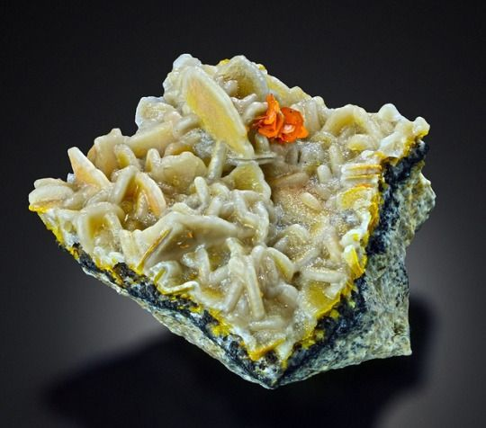 Unusual combo of druzy Calcite on yellow Wulfenite with orange Wulfenite - Urumqi, Kuruktag Mountains, Xinjiang, China