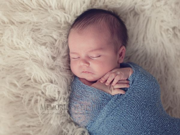 7 Essential Newborn Photography Props to Start Your Collection