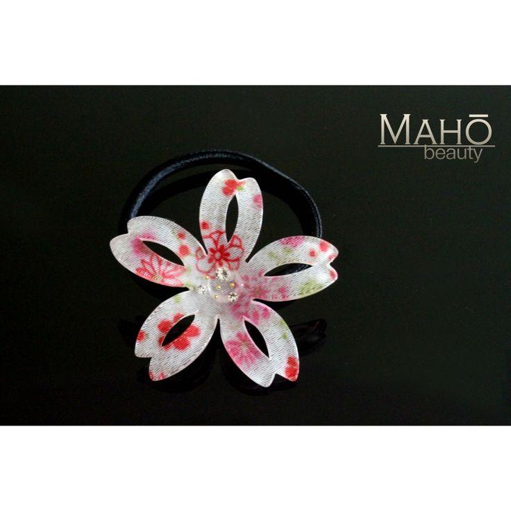 Adorable Japanese Kimono Crepe Hair Gum Sakura White